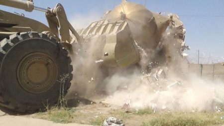 ISIS jihadists demolish mosques, shrines in northern Iraq -3