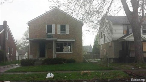 Man Tries to Trade Decrepit Detroit House for New iPhone