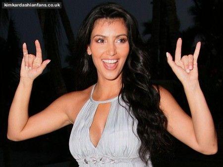 kim-kardashian-satanic-hand-sign