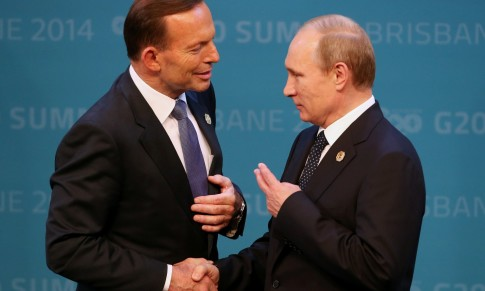 Putin-Abbott-hand-sign