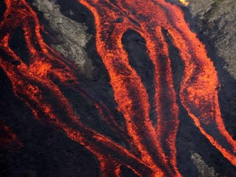 Piton-volcano-Reunion2