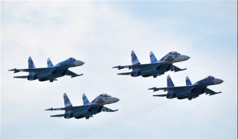 Four Russian Fighter Jets to Escort President Assad