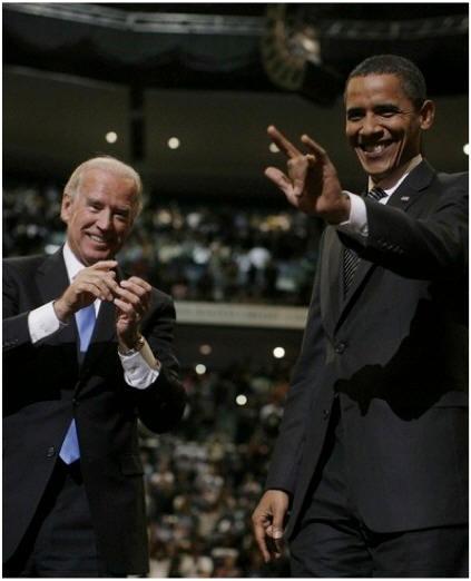 Obama-Satanic-Hang-Sign