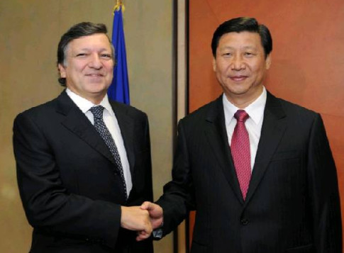 Barroso-Xi-Jinping-Masonic-Handshake