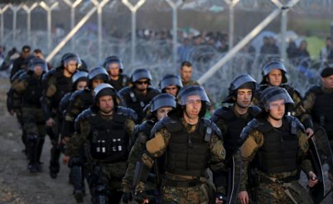 Troops-Border