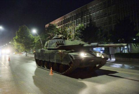 A Turkish army tank drives on a street in Ankara, Turkey July 16, 2016.     REUTERS/Stringer