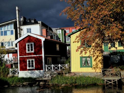 Skarp-oktorbersol-Norrtälje