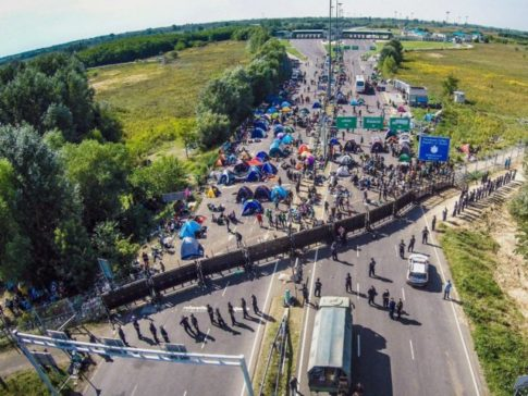 successful-hungarian-border-fence-boosts-support-of-right-wing-government