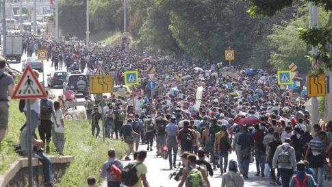 asyl-invasion-unterwegs-nach-osterreich-deutschland
