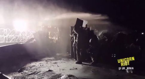 dapl-protest-water-cannon